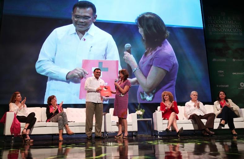 """Promueven desde Yucatán la campaña mundial """"HeForShe"""""""