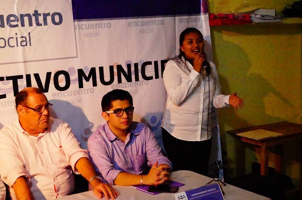 Nayeli Ramírez dirige su mensaje como nuea presidenta del Partido Encuentro Social en Progreso